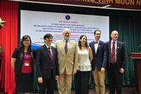 """Bộ Y tế Trao tặng Kỷ niệm chương """"Vì sức khỏe nhân dân"""" cho các chuyên gia phòng, chống HIV/AIDS"""