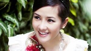 Diva Hồng Nhung lột xác gây sốc với nội y