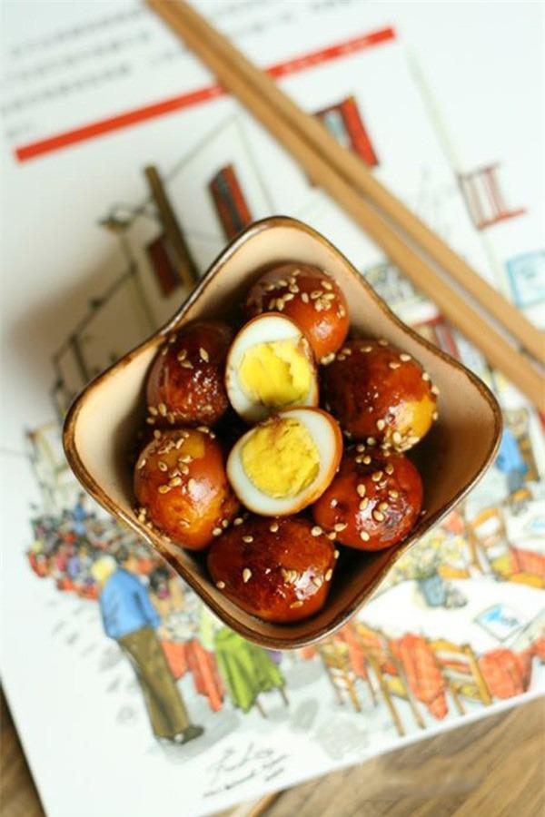 2 món ngon từ trứng cút ngon-bổ-rẻ cho bữa tối