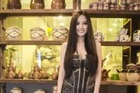 Mai Phương Thúy mở nhà hàng ở tuổi 25