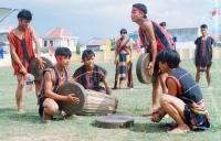 Tục lạ ở các dân tộc Việt Nam: Vỗ mông kén chồng