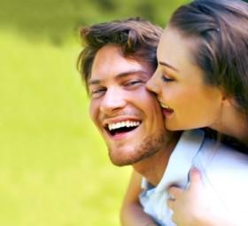 Muốn hôn nhân bền vững, đừng cố kiểm soát bạn đời