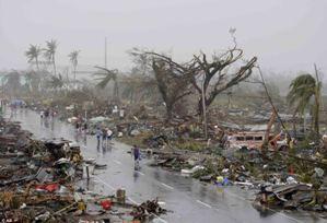 Câu chuyện một bé gái Philippines dặn dò mẹ phải bảo trọng trước khi trút hơi thở cuối cùng trong đợt siêu bão Haiyan đã khiến nhiều người phải rơi lệ.