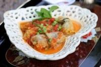 Bắp cải cuộn thịt sốt cà chua