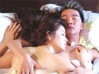 """Rộ mốt khoe chuyện giường chiếu trên MV của """"sao"""" Việt"""