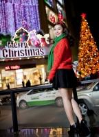 MC Thùy Linh rạng rỡ đón Giáng sinh