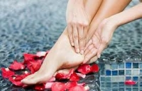 8 cách chữa gót chân bị nứt nẻ