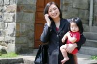 Sinh con sớm, 9X lóng ngóng làm mẹ