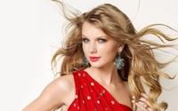 7 street style làm 'điên đảo' giới trẻ của 'công chúa' Taylor Swift