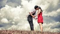 Làm sao để biết tình yêu hay tình bạn?