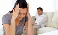 Vợ khóc lóc cầu xin tôi ký đơn ly hôn
