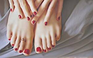 Tuyệt chiêu để có da bàn tay, bàn chân mịn mượt trong ngày hanh khô