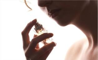 Anh: Các nhà khoa học sáng chế ra loại nước hoa càng đổ mồ hôi càng thơm