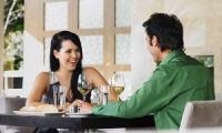Có người yêu rồi có nên đi chơi riêng với người khác giới khác?