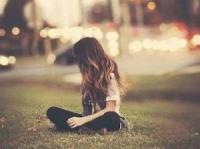 Nín đi em, đừng khóc vì một người đã làm em khóc