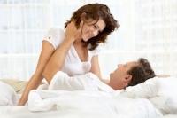 Bệnh xương khớp ảnh hưởng tình dục thế nào?