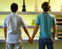 Nguy cơ lây nhiễm HIV từ quan hệ đồng tính.