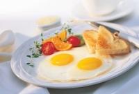 Trứng ốp la muốn ngon và đẹp như nhà hàng phải chiên thế này mới đúng