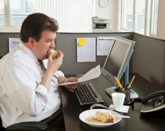 Những thói quen hại sức khỏe đàn ông