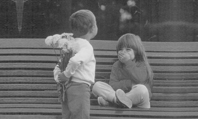 Hài hước những cách định nghĩa tình yêu của trẻ thơ