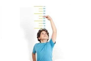 Con trai muốn tăng chiều cao tối đa thì hãy dừng ngay những việc làm này trong và sau dậy thì