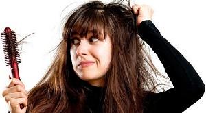"""Phân biệt tóc rụng """"sinh lý"""" và tóc rụng """"bệnh lý"""" để biết lúc nào cần đi khám ngay"""