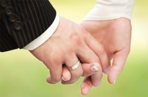 Vị trí đeo nhẫn có ảnh hưởng đến sức khỏe sinh sản?