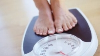 Nhiều trường hợp tăng cân là do cơ thể tích nước và đây là 6 cách khắc phục hiệu quả