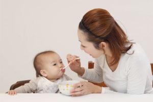 Chuyện lạ có thật: Mẹ hơn con 1,5 tuổi