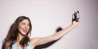 Chụp ảnh tự sướng nhiều có thể mắc bệnh Selfitis, hãy cùng tìm hiểu qua về nó