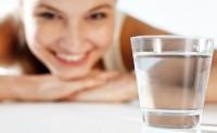 6 thời điểm uống nước vào còn độc hơn cả thuốc