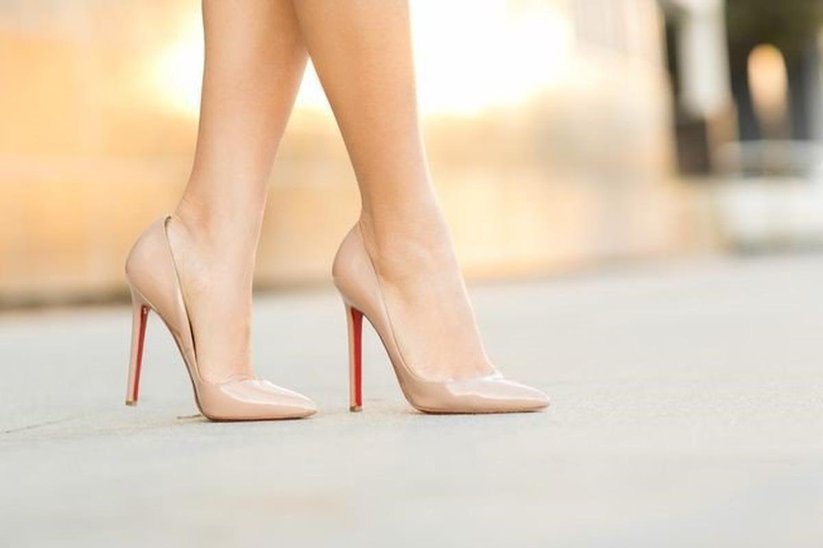 Mẹo giúp phái đẹp đi giày cao gót an toàn