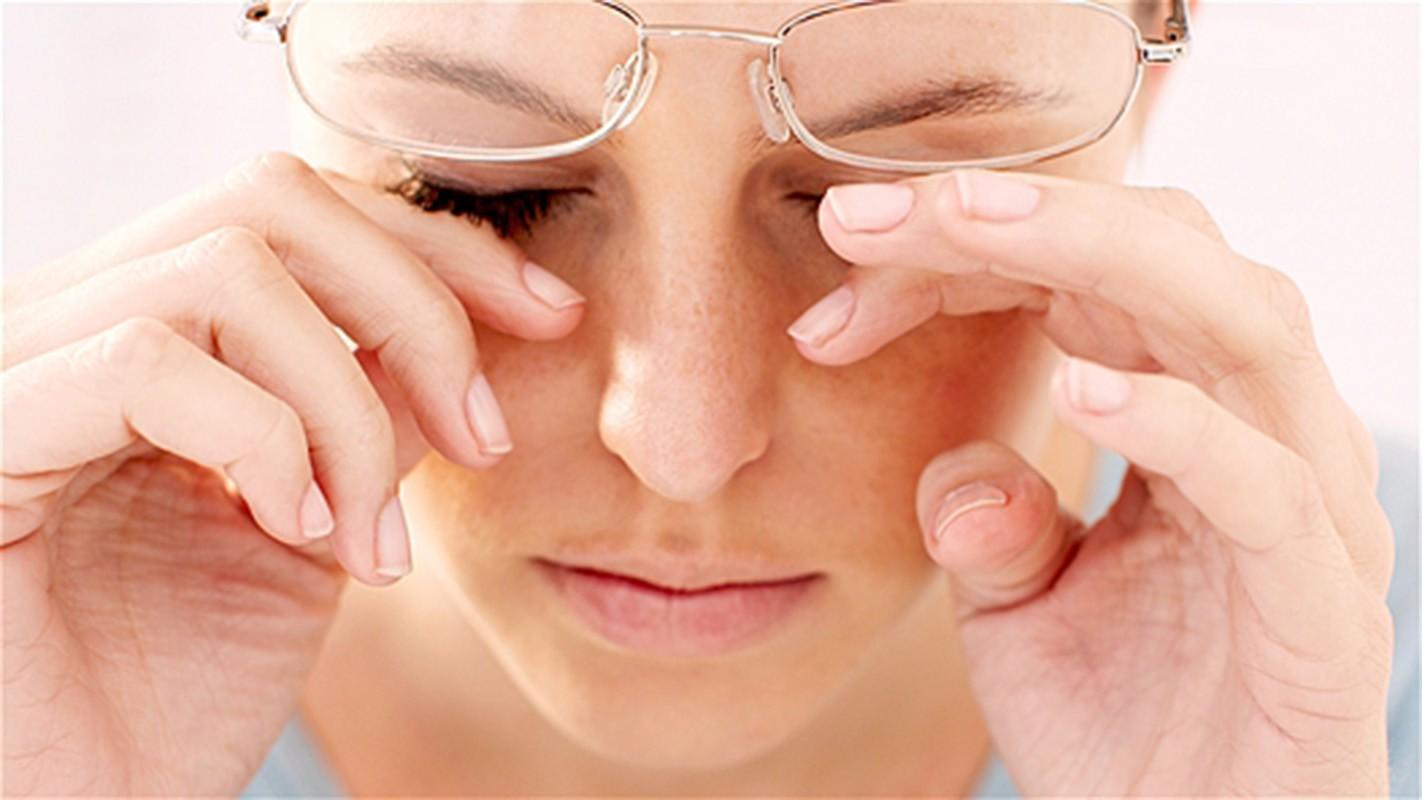 Mắt bỏng rát có thể là dấu hiệu của những vấn đề sức khỏe nghiêm trọng