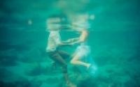 """Tác hại không ngờ khi """"yêu"""" dưới nước"""