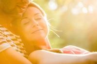 10 lý do giải thích vì sao chúng ta không quên được tình đầu