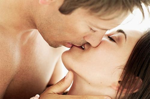 Vợ chồng sẽ hạnh phúc khi quan hệ mỗi tuần một lần?