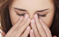 Thói quen rất nhiều người mắc phải nhưng gây ra tới 4 cái hại cho mắt