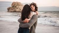Yêu thương bản thân và yêu thương người khác như thế nào?