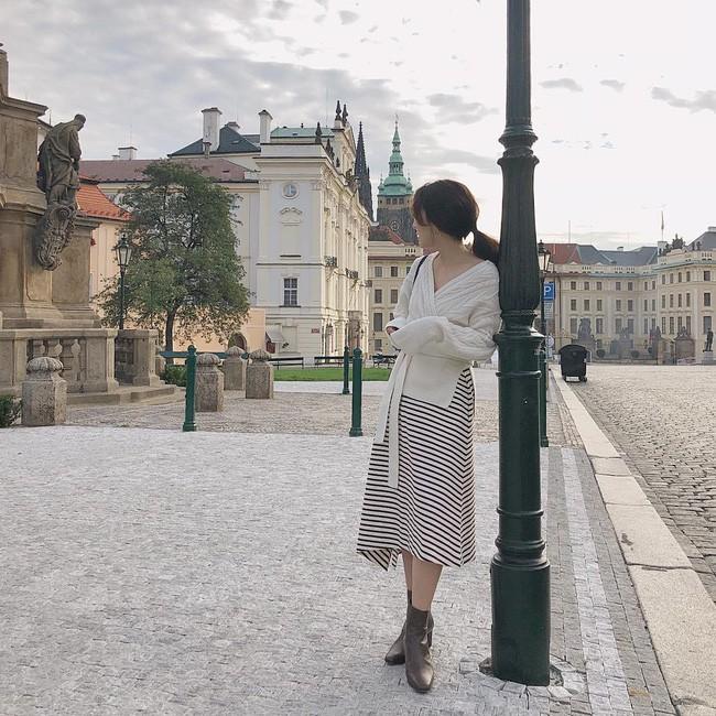 4 mẫu áo cardigan điệu nhất mùa lạnh mà nàng nào diện lên cũng dịu dàng, nữ tính hơn hẳn
