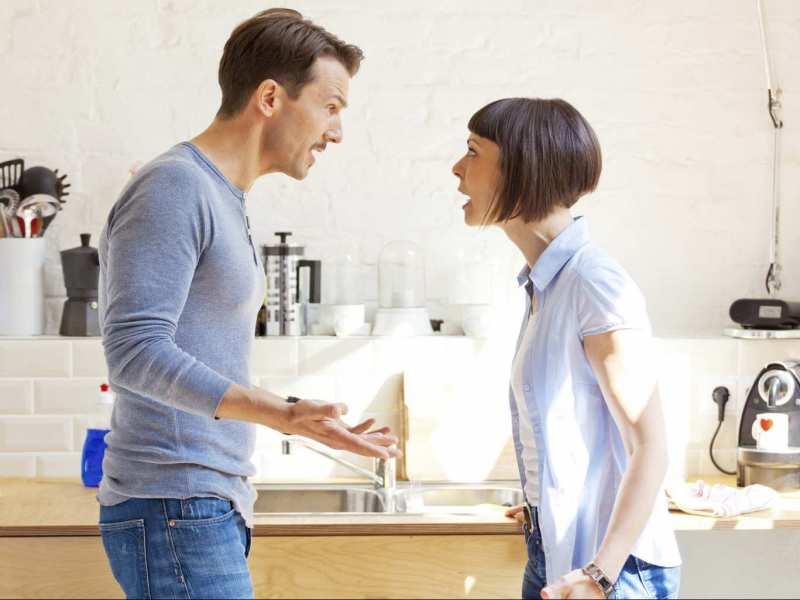 Mâu thuẫn vợ chông vì những câu bông đùa với người khác?