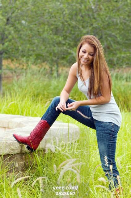 Mẹo giúp nàng phối đồ jeans với đôi bốt hoàn hảo