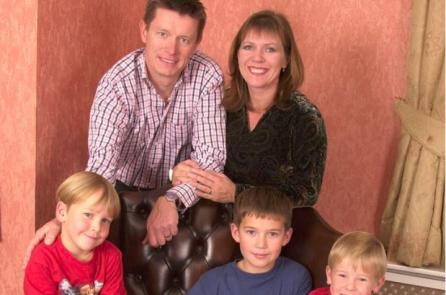 Phát hiện vô sinh sau 20 năm sống cùng vợ cũ và 3 con trai