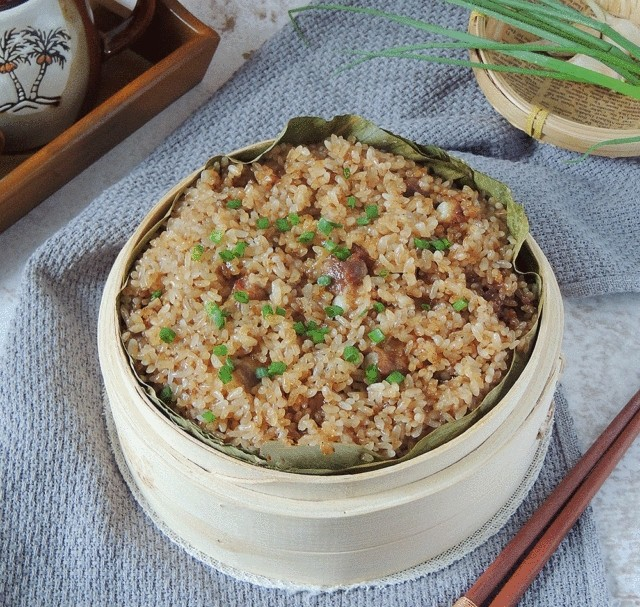 Người Trung Quốc có món xôi sườn ngon tê tái, tôi nấu thử một lần mà chồng con đòi ăn suốt!
