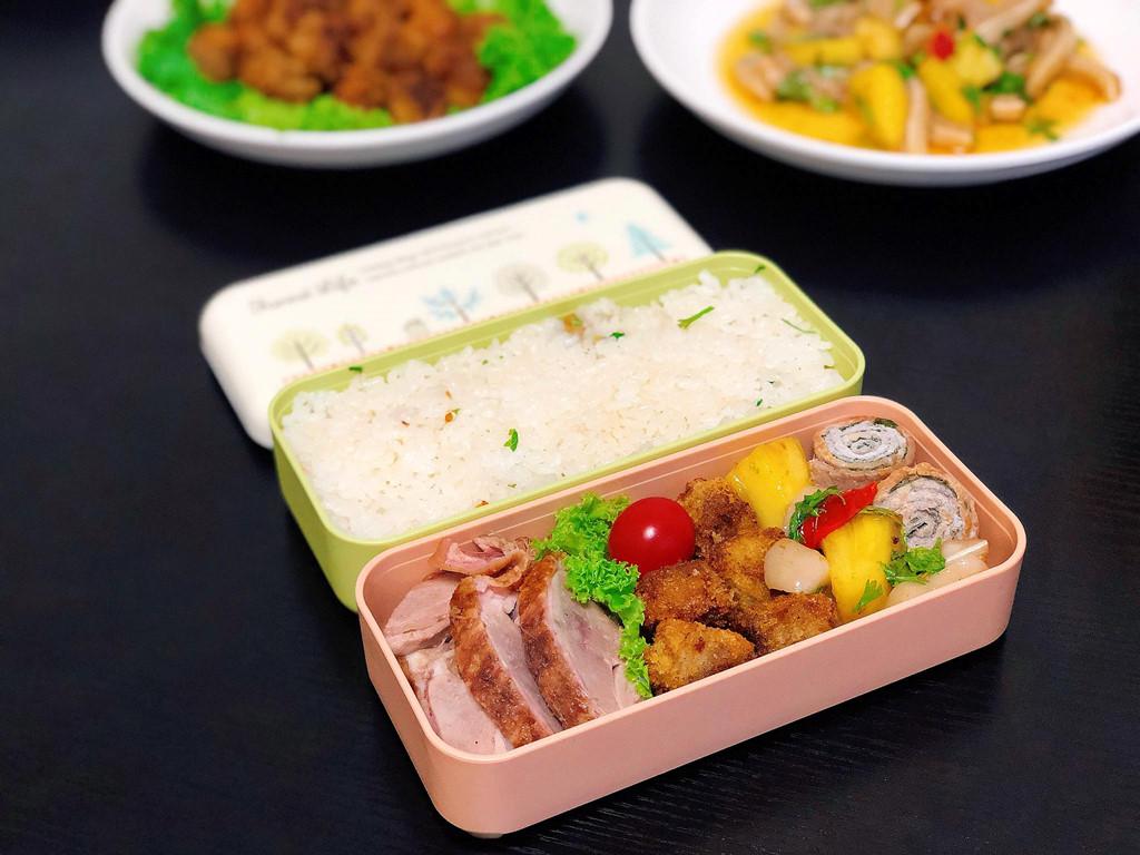 Gợi ý hộp cơm trưa phong cách tối giản, làm siêu nhanh mà ăn cực ngon