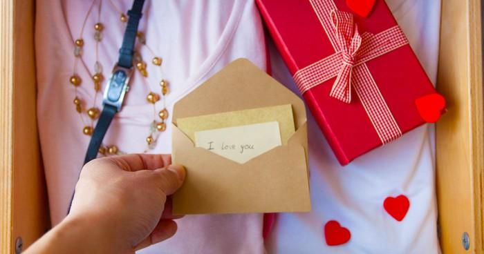 6 món đồ không nên dùng làm quà tặng