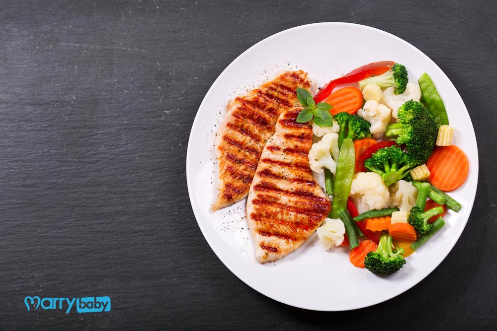 Bầu một tháng nên ăn gì? Thực phẩm nên ăn và nên tránh