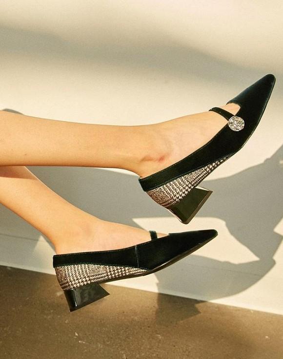 Nên đi giày gì đến công sở để vừa thoải mái vừa thời trang?