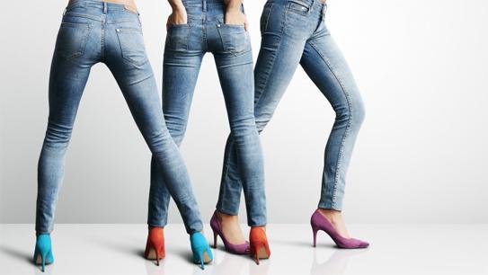 """10 lý do khiến bạn không nên mặc quần áo quá """"bó sát"""""""