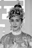 Hoà Minzy hoá thân vào vai Nam Phương hoàng hậu, bỏ qua chiều cao khiêm tốn, nhan sắc mới cực phẩm