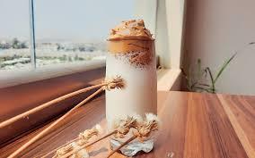 Thấy tôi pha cà phê thế này chồng phì cười vậy mà mời nếm thử lại uống hết luôn cả ly trong tích tắc!